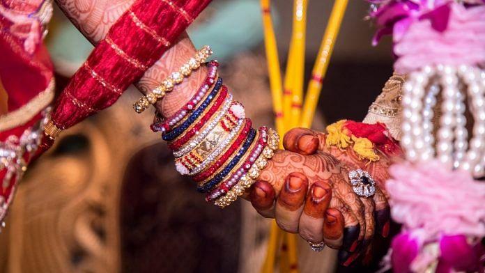 बिग फैट से लेकर छोटी वर्चुअल शादी तक- कोविड काल में भारतीय शादियों को बदलने  का समय आ गया है
